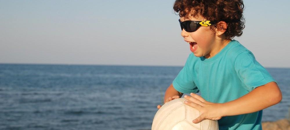 Protege sus ojos: gafas de sol para niños