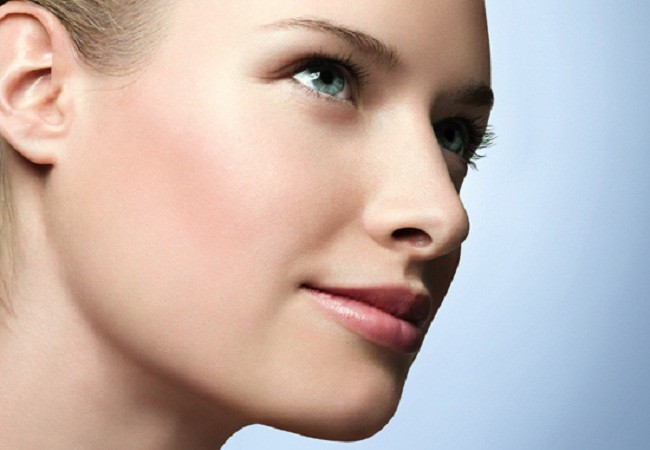 Cuidados de la piel sensible: pequeños trucos para un cutis sano
